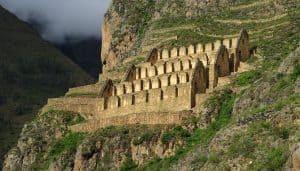 Edificación de los Quilques, en el medio del Valle Sagrado de los Incas