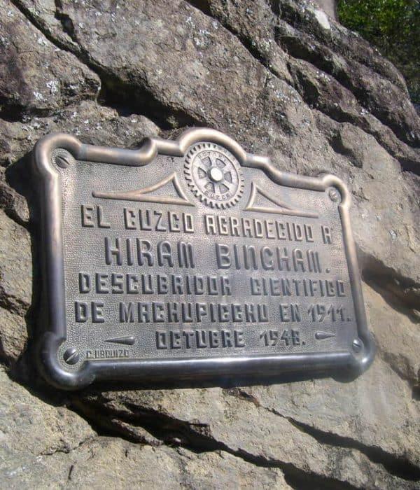 <span class='p-name'>Quien descubrio Machu Picchu</span>