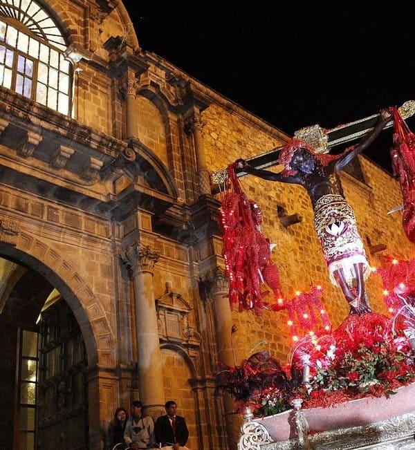 <span class='p-name'>Semana Santa en Cusco</span>