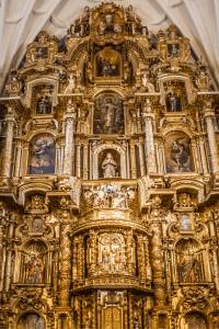 Altar en la iglesia La Compañia de Jesús en Cusco