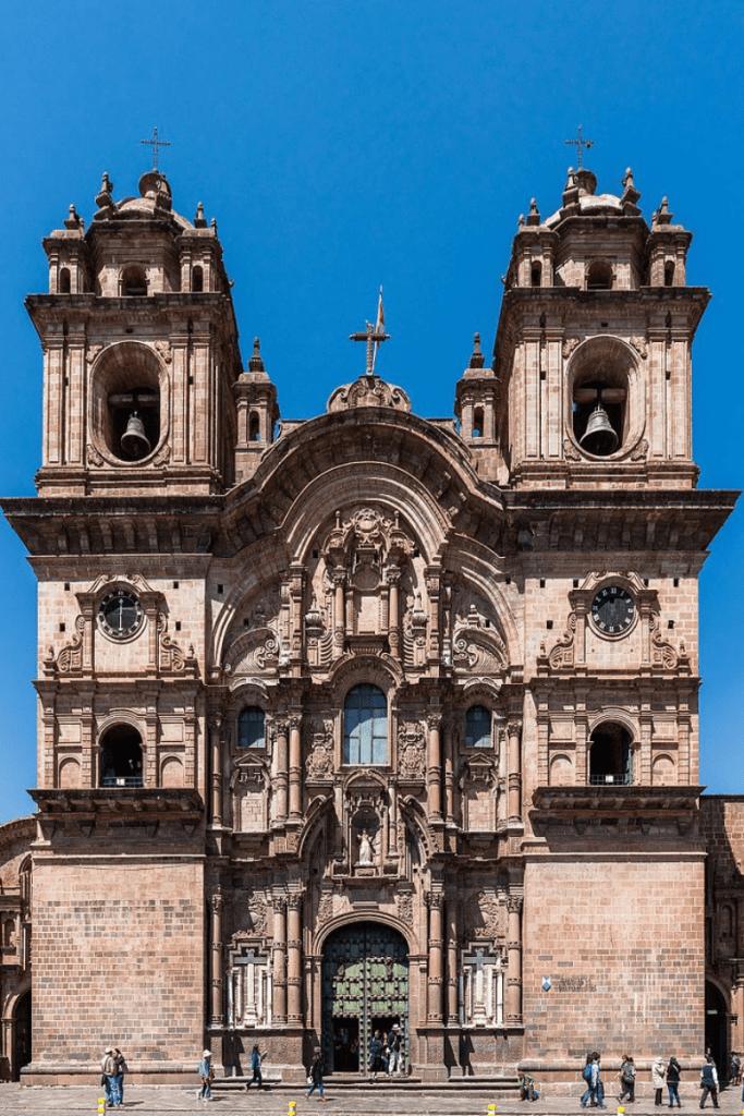El templo de la Compañía de Jesús: en la ciudad de Cusco la ruta del Barroco Andino.